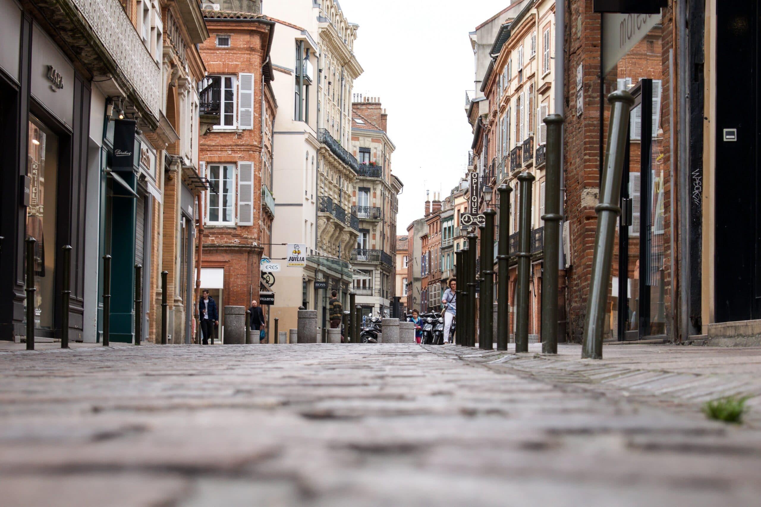 De plus en plus de centres-villes avec des rues désertes et des locaux vides, le programme Action Cœur de Ville vient au secours de ces petites et moyennes collectivités